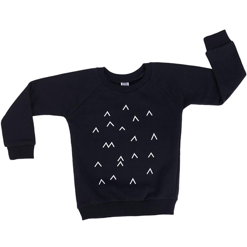 """Детска черна блуза с дълъг ръка """"Ракети в космоса"""" за есен и зима."""