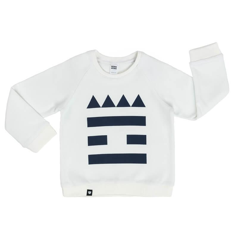"""Детска топла блуза с дълъг ръкав """"Замъче"""" в бяло. Изработена от 100% памук."""